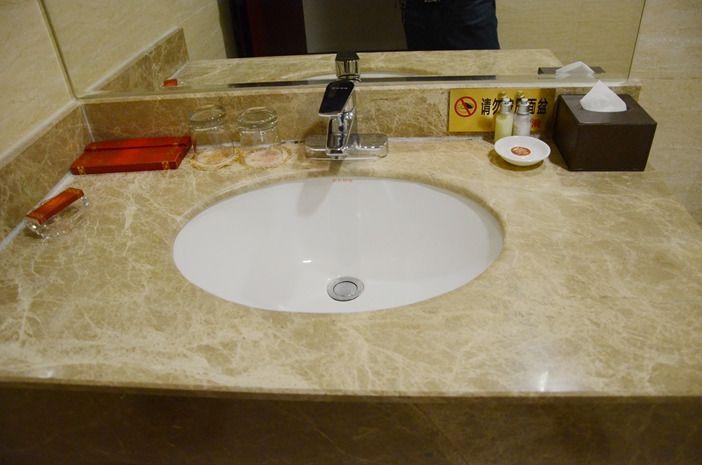 宾馆洗脸盆马桶一体